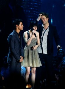 Lautner, Stewart, and Pattinson at last Sunday's VMAs
