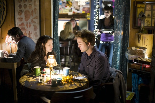 Twilight-Movie-Stills-twilight-series-2530625-1400-933